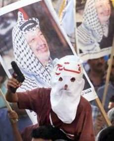 L'islamisme radical contraint l'enfant soldat à exécuter les mauvaises interprétation du Coran et de la religion musulmane: est-ce que les palestiniens devront subir cette terreur intellectuelle et religieuse encore longtemps ?