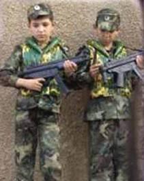 Enfants soldats: que font les organisation humanitaire qui se battent contre les enfants soldats dans le monde ? Les palestiniens ne souhaitent pas tous voir leurs enfants partir au combat si jeune.