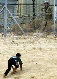 Un enfant palestinien en civil qui tente de braver les interdictions de franchissement de frontière: que ferait un soldat canadien si cela est une opération de diversion ou si cet enfant porte une ceinture d'explosifs ?