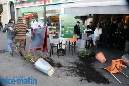 Un restaurant saccagé par des manifestants pro-palestiniens à Nice.